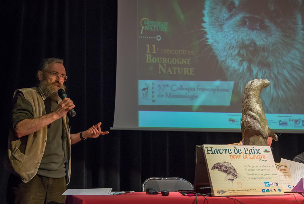 Xavier Grémillet présentant les Havres de Paix lors de la signature du premier Havre de Paix de Bourgogne.