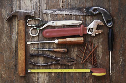 outils-bricoleur-main-10497611